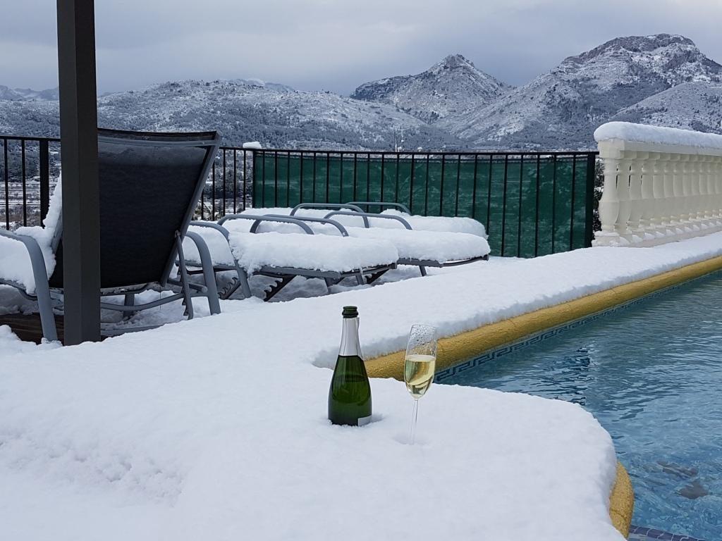 sneeuw nieve Vakantiehuis Jalon 18 enero 2017